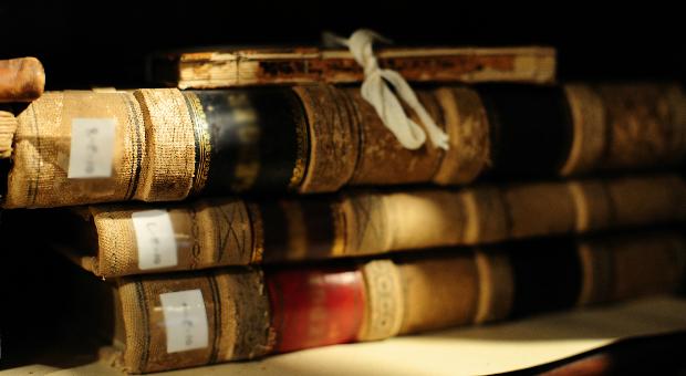 hunlarin-kayip-kitaplari-sutralar