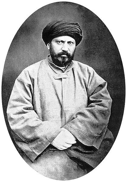 1355 numara ile Şarkın Yıldızı Locasına kayıtlı bir mason olan, İslam'a duyduğu güvensizliği açığa vurmaktan çekinmeyen ve Peygamberlik sanatlardan bir sanattır diyen Efgani, bir ilim adamı değil, siyasetle uğraşan bir nankördür. Fesatçılığı sezilince ulema tarafından İstanbul'dan kovulmuş, Mısır'a kaçmıştır.